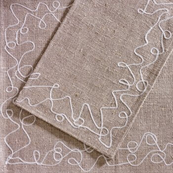 Anichini Abstract Linen Table Linens