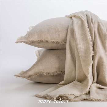 BARBORA OVERSIZED BED THROWS