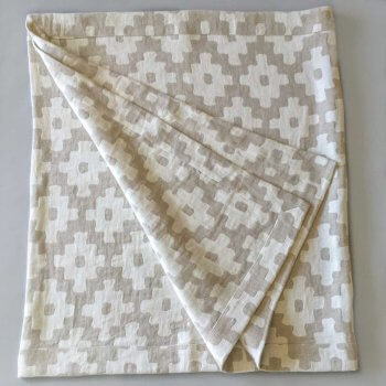Anichini Tokkat Cross Design Linen Table Linens