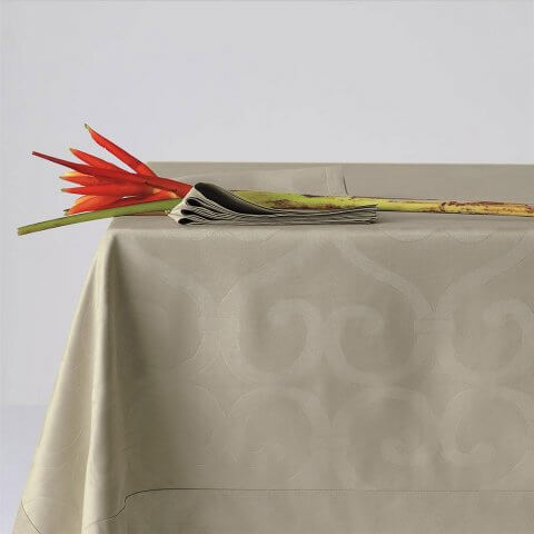 Anichini Forge Luxury Piqué Table Linens In Silver Beige