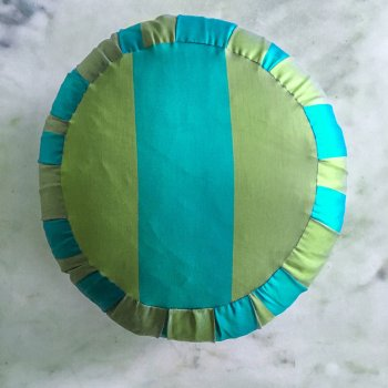 Anichini Scheherazade Traditional Zafu Meditation Pillows In Jade Green