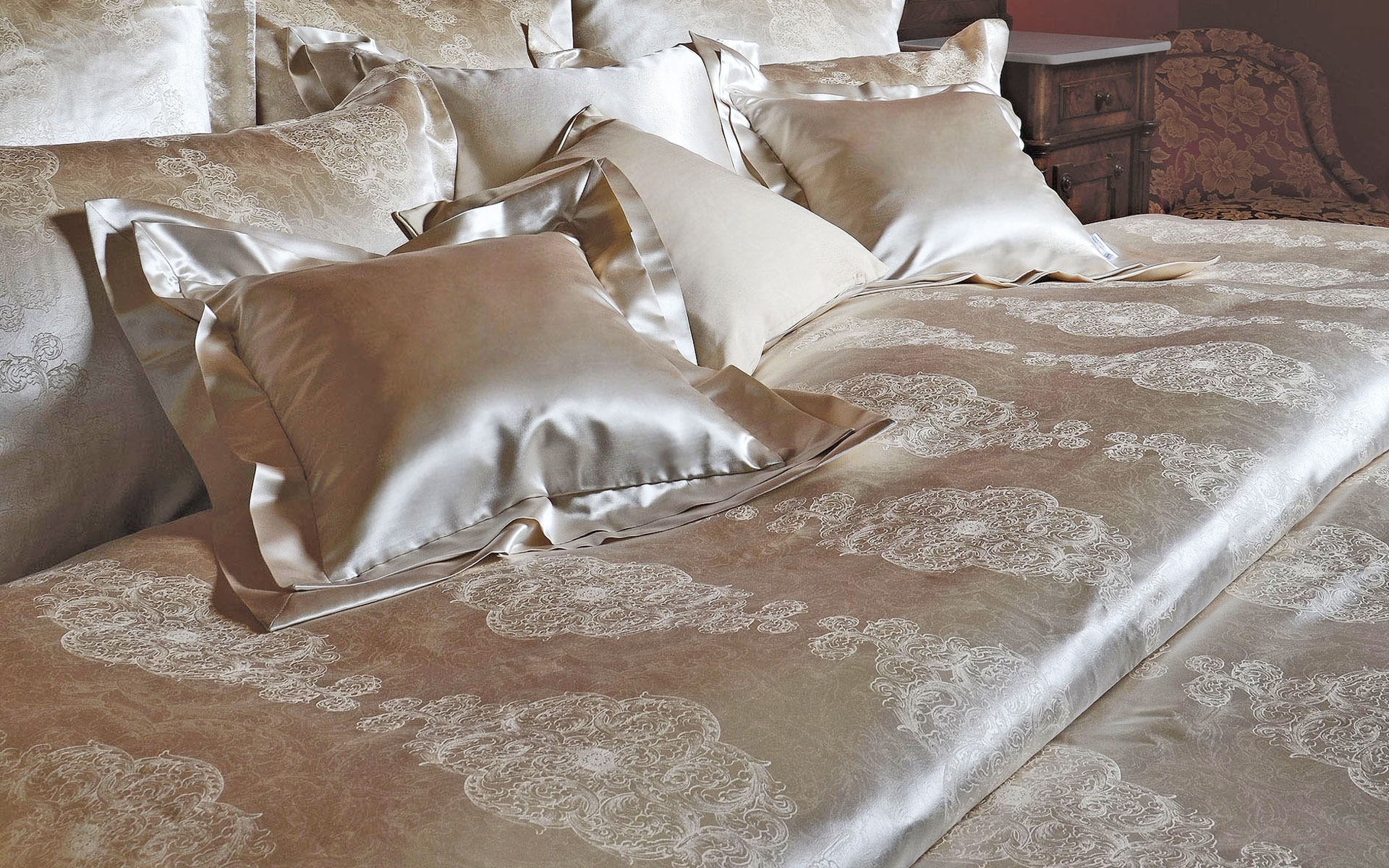 The Buying Guide For Cotton Sateen Sheets