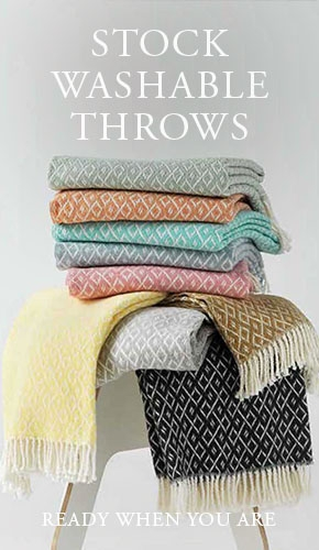 ANICHINI Hospitality Stock Washable Throws